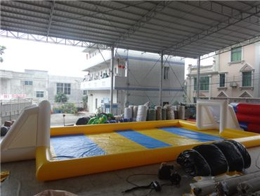inflatable football pitchcourtfieldinteractive game;2014 inflatable football fieldinflatable football pitchinflatable soccer field
