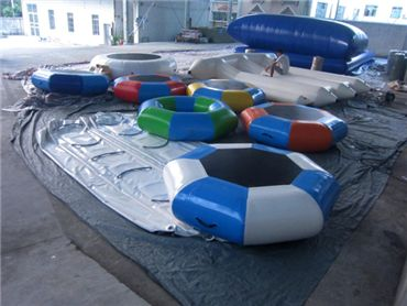 inflatable water trampoline 3
